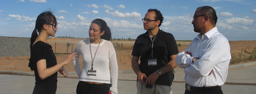 ORDOS100 site visit | SAMI talking with the developer Mr. Cai Jiang