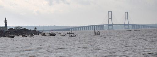 Suramadu bridge | Surabaya, Indonesia, July 6, 2011